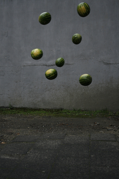 18_flying-melons