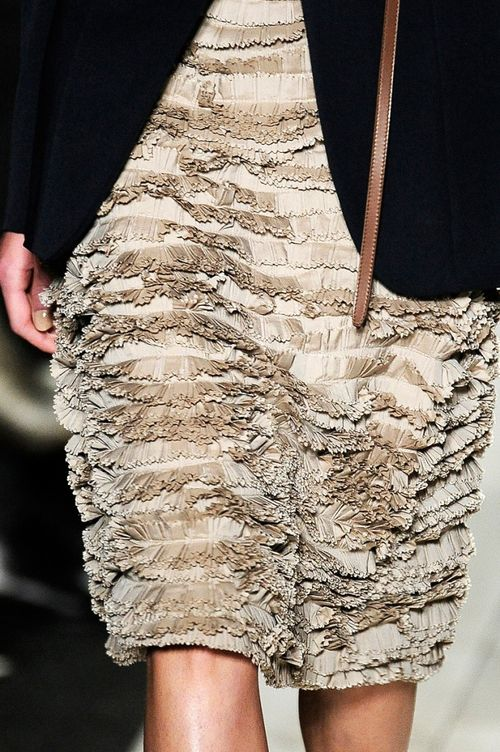 Michael-kors-spring-2011-07-skirt-detail